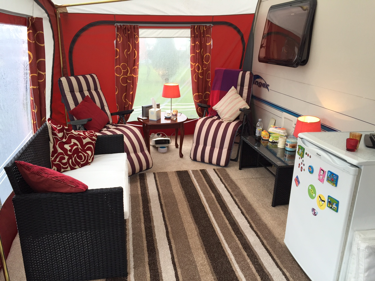 carpet-fit-wales-grass-awning-caravan-season-artifical-grass-south-aberdare-flooring-carpets-awning