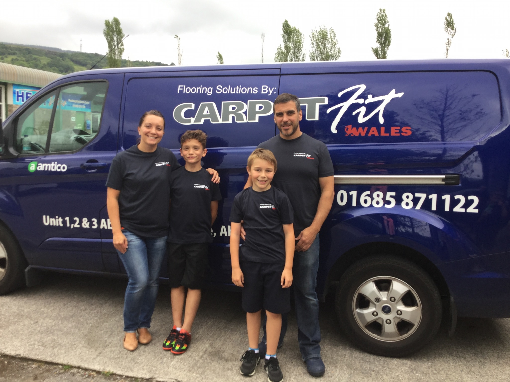 Carpet-Fit-Wales-Kids-Aberdare-South-Wales-Flooring-Carpets-LVT-Vinyl-Cleaning-Professional-Vicky-chris