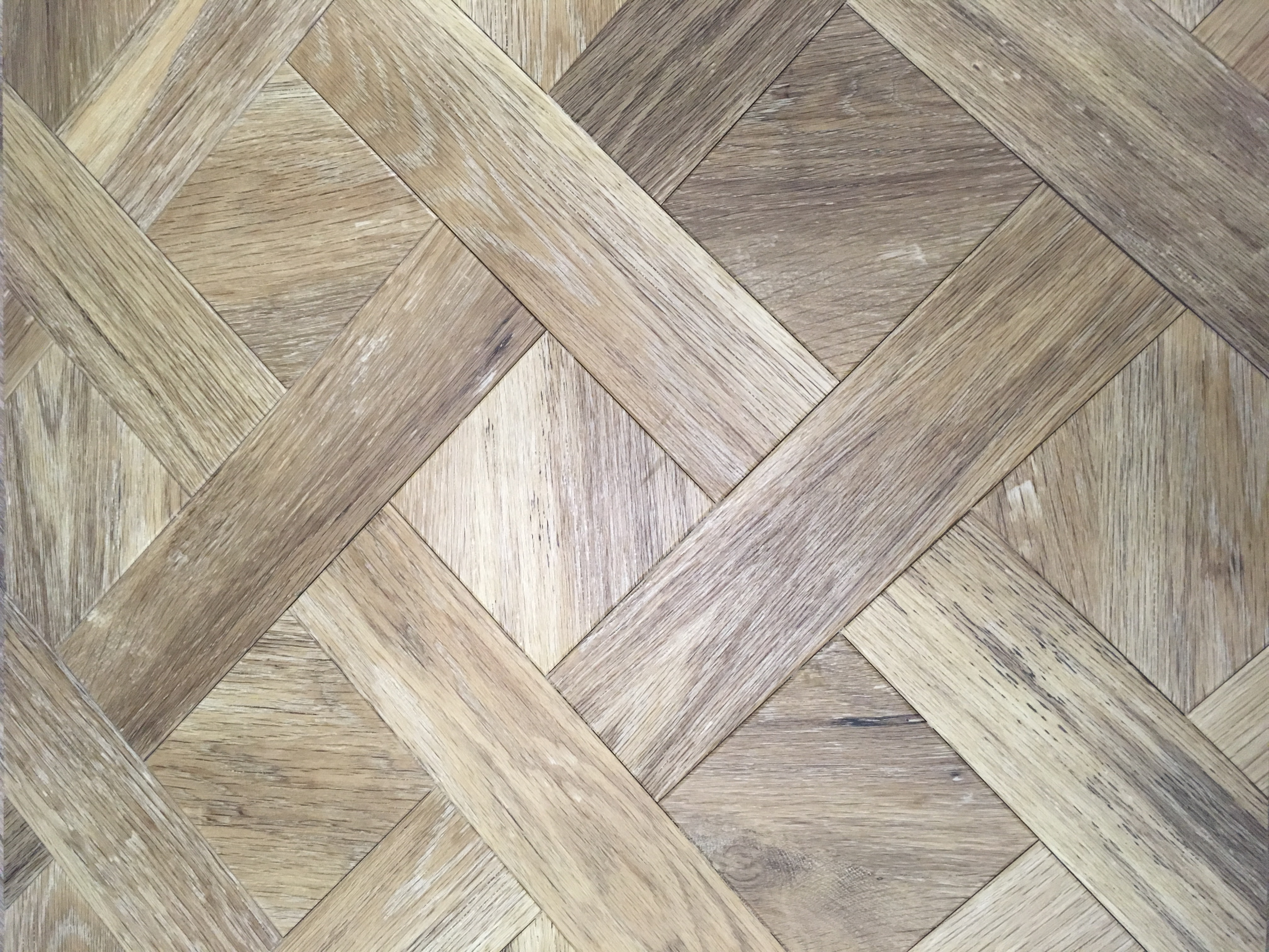 carpet-fit-wales-cynon-valley-aberdare-south-aberaman-experienced-skilled-great-customer-service-flooring-OFFER-amtico-worn-oak